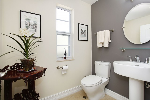 Guest Half Bath, With Pedestal Sink. Ruiz_311840. Guest Bath, With Vanity